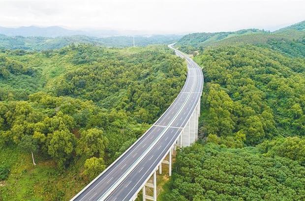 海南周刊 | 海南最美公路:一路山水一路歌 记途经屯昌的G9811中线高速
